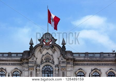 flag on the roof of the palace