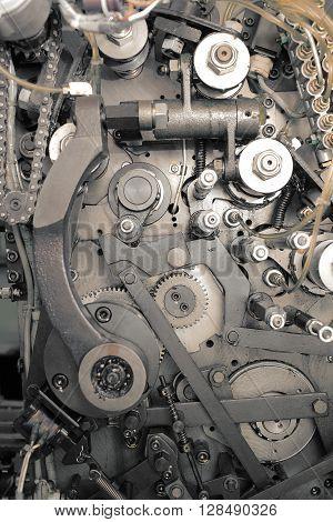 Retro engine mechanism as a tetured background