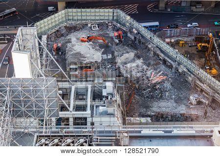 Work in progress on huge construction site in Tokio, Japan.