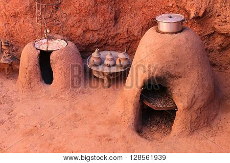 Earth Ovens And Tea Kettles