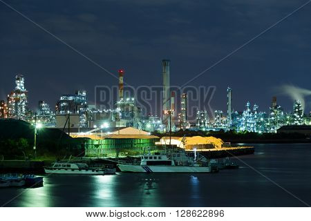 Oil and gas refinery plant at night
