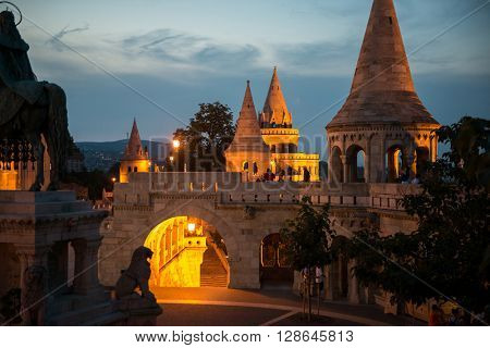 Fishermans Bastion yard in evening