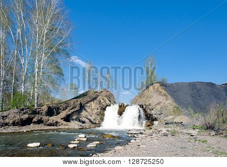 Falls in the village of Belovo in the city of Novosibirsk
