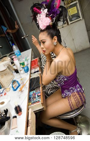 ALCAZAR CABARET , PATTAYA, THAILAND - NOVEMBER 1, 2006 : 