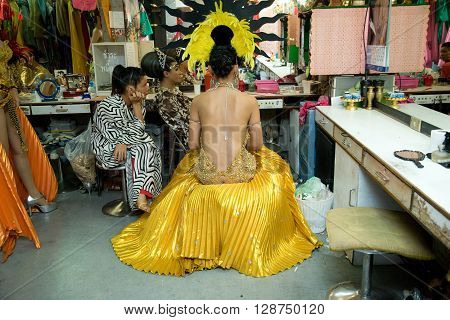 ALCAZAR CABARET , PATTAYA, THAILAND - NOVEMBER 1, 2006 : The Alcazar is one of the famous transsexual show, In the backstage during the makeup session.