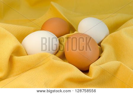Commingling of different but equal eggs of same kind