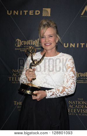 LOS ANGELES - APR 29: Mary Beth Evans at The 43rd Daytime Creative Arts Emmy Awards Gala at the Westin Bonaventure Hotel on April 29, 2016 in Los Angeles, California