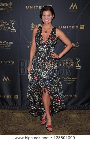 LOS ANGELES - APR 29: Heather Tom at The 43rd Daytime Creative Arts Emmy Awards Gala at the Westin Bonaventure Hotel on April 29, 2016 in Los Angeles, California