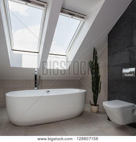 Urban Apartment - White Bath
