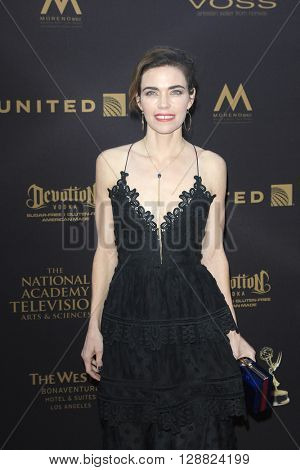 LOS ANGELES - APR 29: Amelia Heinle at The 43rd Daytime Creative Arts Emmy Awards Gala at the Westin Bonaventure Hotel on April 29, 2016 in Los Angeles, California