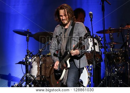 NEW YORK-MAY 5: Actor/singer Jonathan Jackson performs onstage during ABC's