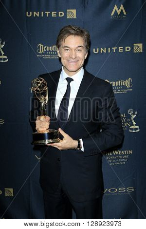 LOS ANGELES - May 1: Dr Mehmet Oz at The 43rd Daytime Emmy Awards Gala at the Westin Bonaventure Hotel on May 1, 2016 in Los Angeles, California