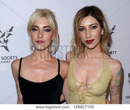 LOS ANGELES - MAY 7:  The Veronicas, Jessica Origliasso, Lisa Origliasso at the Humane Society Of The United States LA Gala at the Paramount Studios on May 7, 2016 in Los Angeles, CA