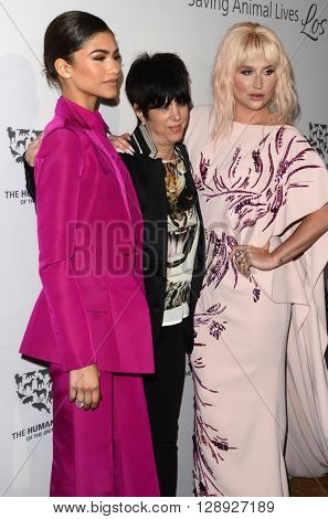 LOS ANGELES - MAY 7:  Zendaya Coleman, Diane Warren, Ke$ha at the Humane Society Of The United States LA Gala at the Paramount Studios on May 7, 2016 in Los Angeles, CA