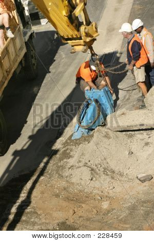 Hoisting Heavy Equipment