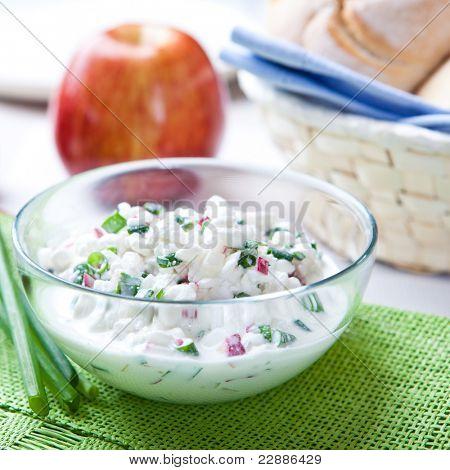 Quark with fresh radish and chive
