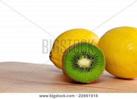 Kiwi And Lemons
