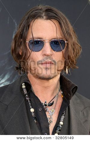 LOS ANGELES - MAY 7:  Johnny Depp arrives at the