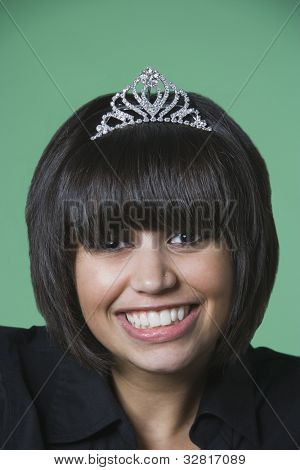 Kuwaiti woman wearing tiara