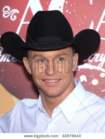 LOS ANGELES - OCT 06:  Ty Murray arrives to the American Country Awards 2010  on October 06, 2010 in Las Vegas, NV.
