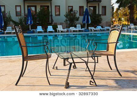 Wasserbecken und Kaffeehaus im hotel