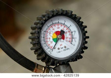 Manometer für Auto-Reifen-Druckeinstellung