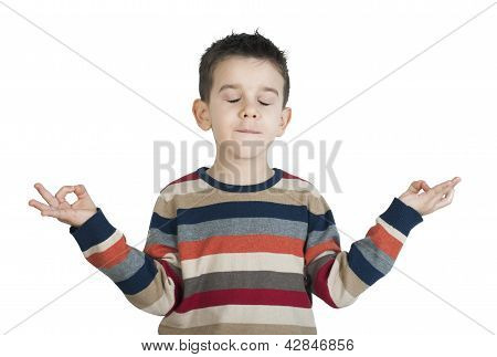 Niño meditar