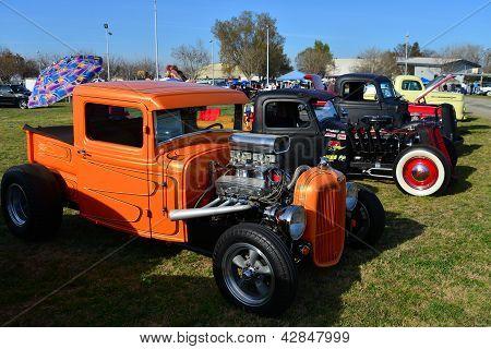 Orange Pickup