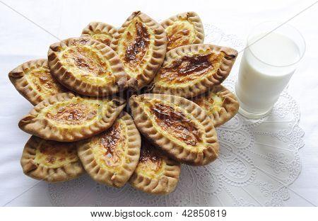 Karelian and Finnish cakes with potatoes