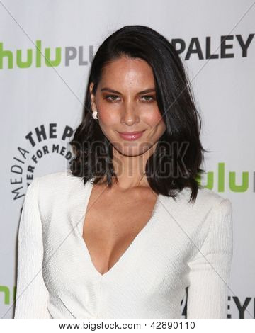 LOS ANGELES - MAR 3:  Olivia Munn arrives at the