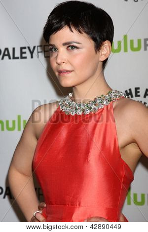 LOS ANGELES - MAR 3:  Ginnifer Goodwin arrives at the