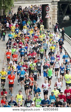 Marathon Runners In Paris
