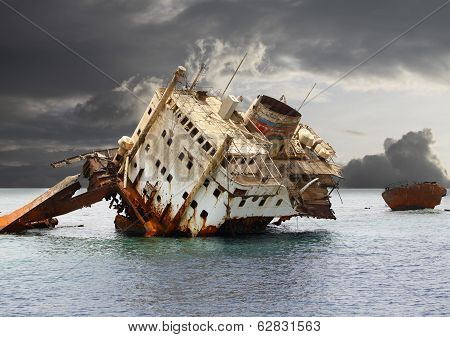 The Sunken Shipwreck.