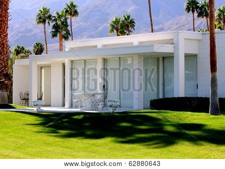 Image of beautiful Home in the desert of california
