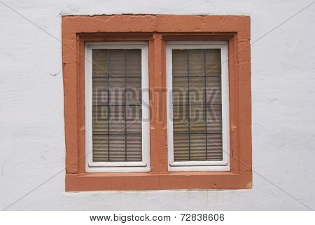 Red bricklayed window