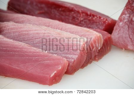 Tuna Sliced