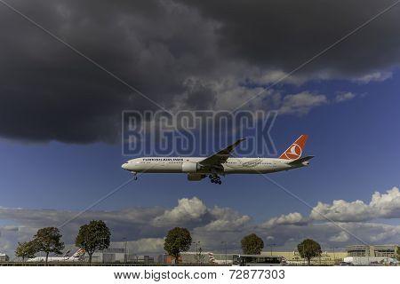 Turkish Airlines Boeing 777-35R(ER)