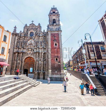 Iglesia De La Santisima Trinidad In Mexico City