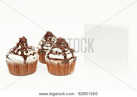 Cupcakes with blank card