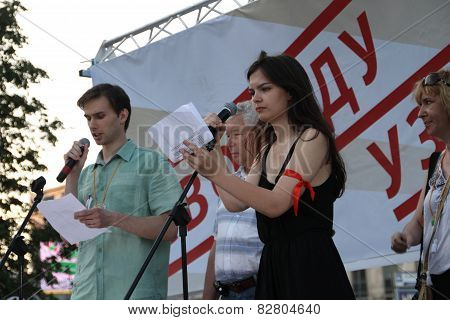 The Politician Isabel Makgoyeva Supports Political Prisoners On Meeting