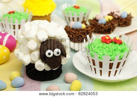 Spring themed animal cupcakes