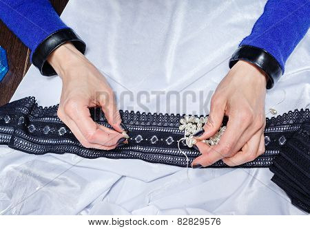 Designer Clothes To Choose Jewelry For Clothes