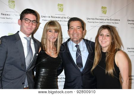 LOS ANGELES - JUN 2:  Ande Rosemblum, Bruce Rosenblum, family at the United Friends of the Children Brass Ring Awards Dinner at the Beverly Hilton Hotel on June 2, 2015 in Beverly Hills, CA