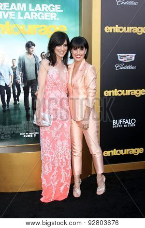 LOS ANGELES - MAY 27:  Perrey Reeves, Constance Zimmer at the