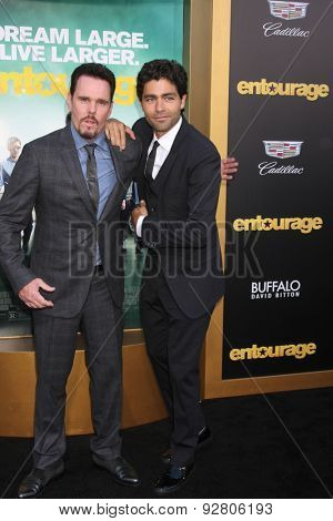 LOS ANGELES - MAY 27:  Kevin Dillon, Adrian Grenier at the