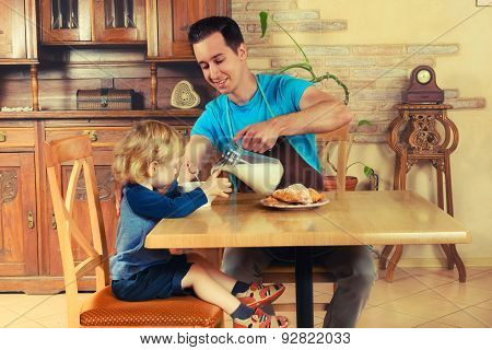Dad cooks a breakfast