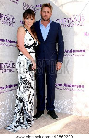 LOS ANGELES - JUN 6:  Lindsay Price, Curtis Stone at the 14th Annual Chrysalis Butterfly Ball at the Private Residence on June 6, 2015 in Los Angeles, CA