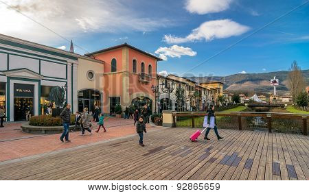 Shopping Outlet In Barberino Di Mugello