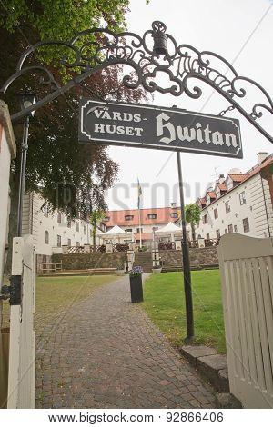 Local restaurant Vardshuset Hvitan