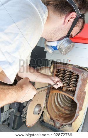 Gas-man working
